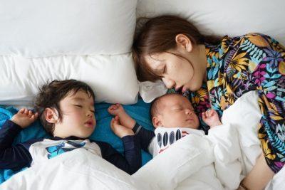 子供 寝汗 ベッド 親子