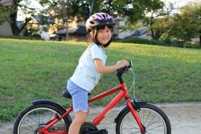 夏休み 自転車 旅行 小学生 女の子 笑顔