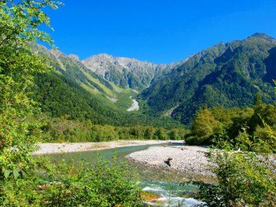 高原 川遊び 山 自然