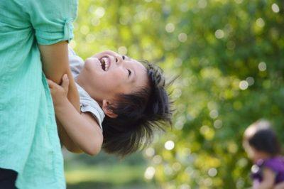 子供 夏 お母さん 遊ぶ 親子