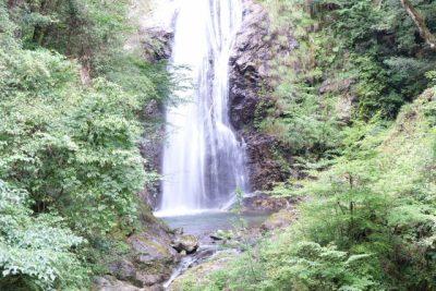 兵庫 県 宍粟 市 川遊び 滝