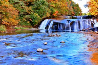川遊び スポット 滝 川