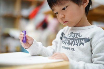 子供 おもちゃ クレヨン 書く 男の子
