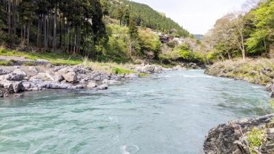 川遊び 上流 川