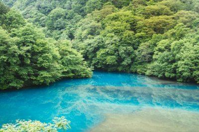 四万 川遊び 綺麗 ブルー