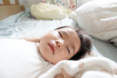 1 歳児 川遊び ブランケット 寝てる