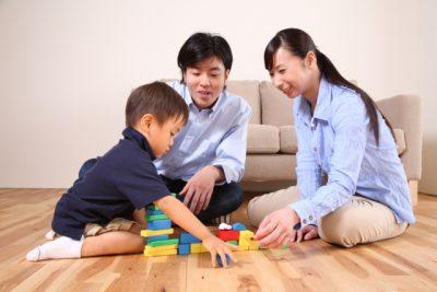 子供 おもちゃ 収納 家族 遊び