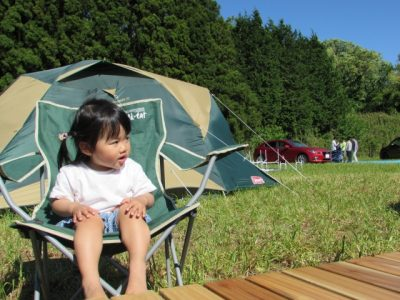 川遊び 女の子 テント 自然