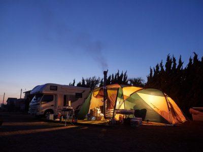 キャンプ 関西 キャンピングカー