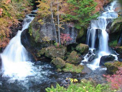 るり渓 川遊び スポット 滝