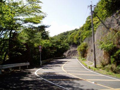 るり渓 川遊び スポット 道路